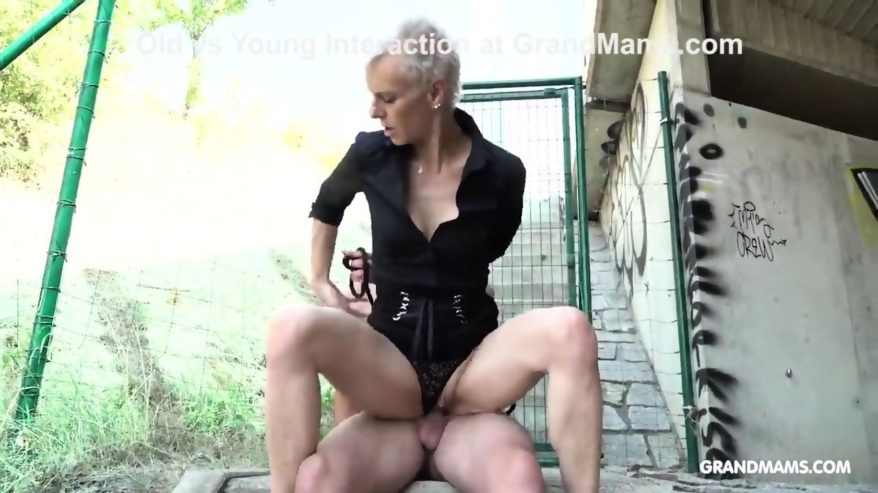 girl getting fucked with a corn cob